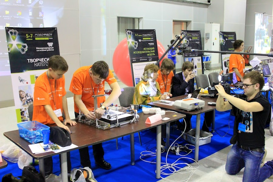 Over 250 school and university teams took part in the annual robotics festival organized by the Volnoe Delo Foundation
